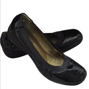 Hush Puppies Patent leather Croc rubber sole